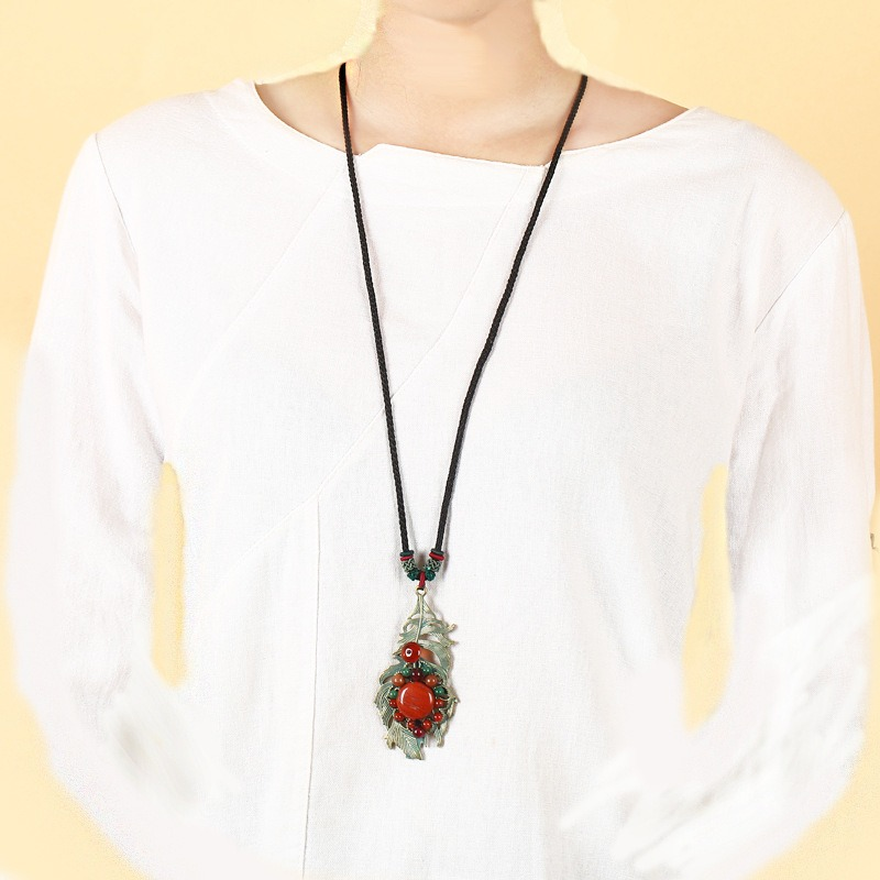 Retro Leaves Long Style Necklace Alloy Ikeramic Sweater