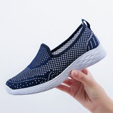 Mujeres Casual Hollow Out Pure Color Slip en zapatillas