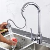 Rubinetto per lavello da cucina in acciaio inossidabile Estrarre doppi fori Miscelatore monocomando per acqua calda fredda Rubinetto con rotazione a 360 °