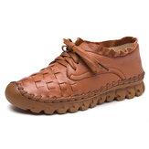 حذاء كاجوال مسطح من SOCOFY مصنوع يدويًا برباط من الجلد
