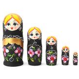 NUEVAS flores negras de madera del regalo de Babushka de las muñecas rusas de la jerarquización de 5pcs / set Matryoshka