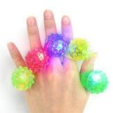 5PCS LED点滅弾性ゴムイチゴの指輪の装飾のおもちゃを点滅
