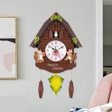 Drewniany antykwarski zegar z kukułką Dzwonkowy huśtawka Alarmowy Zegarek Wall Art Dom rzemieślniczy