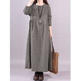 ヴィンテージ女性のコットンチェック柄カジュアルロングマキシシャツドレス