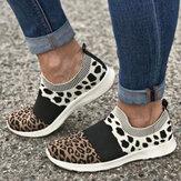 Las mujeres de gran tamaño de malla transpirable leopardo Patrón elástico Banda zapatillas sin cordones