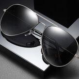 Okulary przeciwsłoneczne męskie w metalowej oprawie z dużymi ramkami