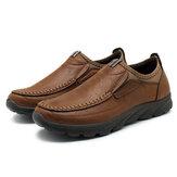 Sapatos masculinos de couro com costura à mão deslizante antiderrapante Soft mocassins respiráveis sapatos casuais