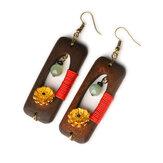 Hecho a mano de madera étnico Jade Pendientes vendimia Margaritas de oro
