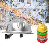 Lekka aluminiowa konstrukcja z pełnym daszkiem i kask ochronny