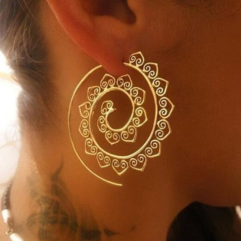Retro Spiral Heart-Shaped Earrings Exaggerated Fashion Jewelry Earring For Women