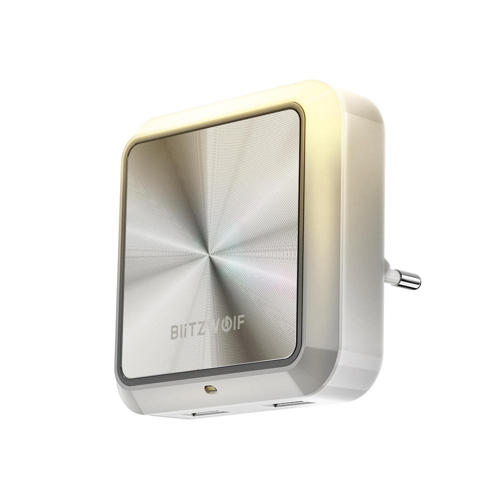 BlitzWolf® BW-LT14 Plug-in Smart Light Sensor LED Night Light dengan Socket Pengisian Daya USB Ganda