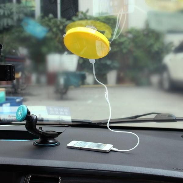 आईफोन / अन्य इंटेलिजेंट फोन / कैमरों के लिए सौर पोर्टेबल डुअल यूएसबी कार चार्जर प्रोटेबल चार्जर