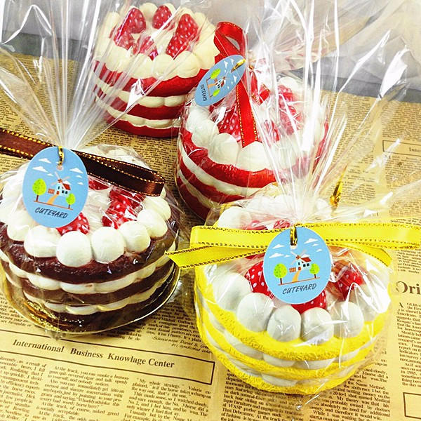 Eric Squishy Cuteyard Tag Jumbo Strawberry Cake Licensed Slow Rising Original Packaging Collection Present Inredning