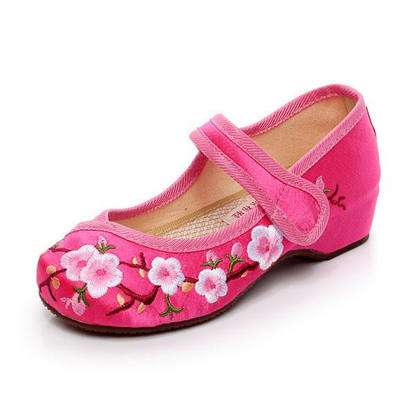 Le ragazze Mary Janes cinesi ricamano fiori scarpe di seta scarpe da pesca piatta scarpe casual di mocassini