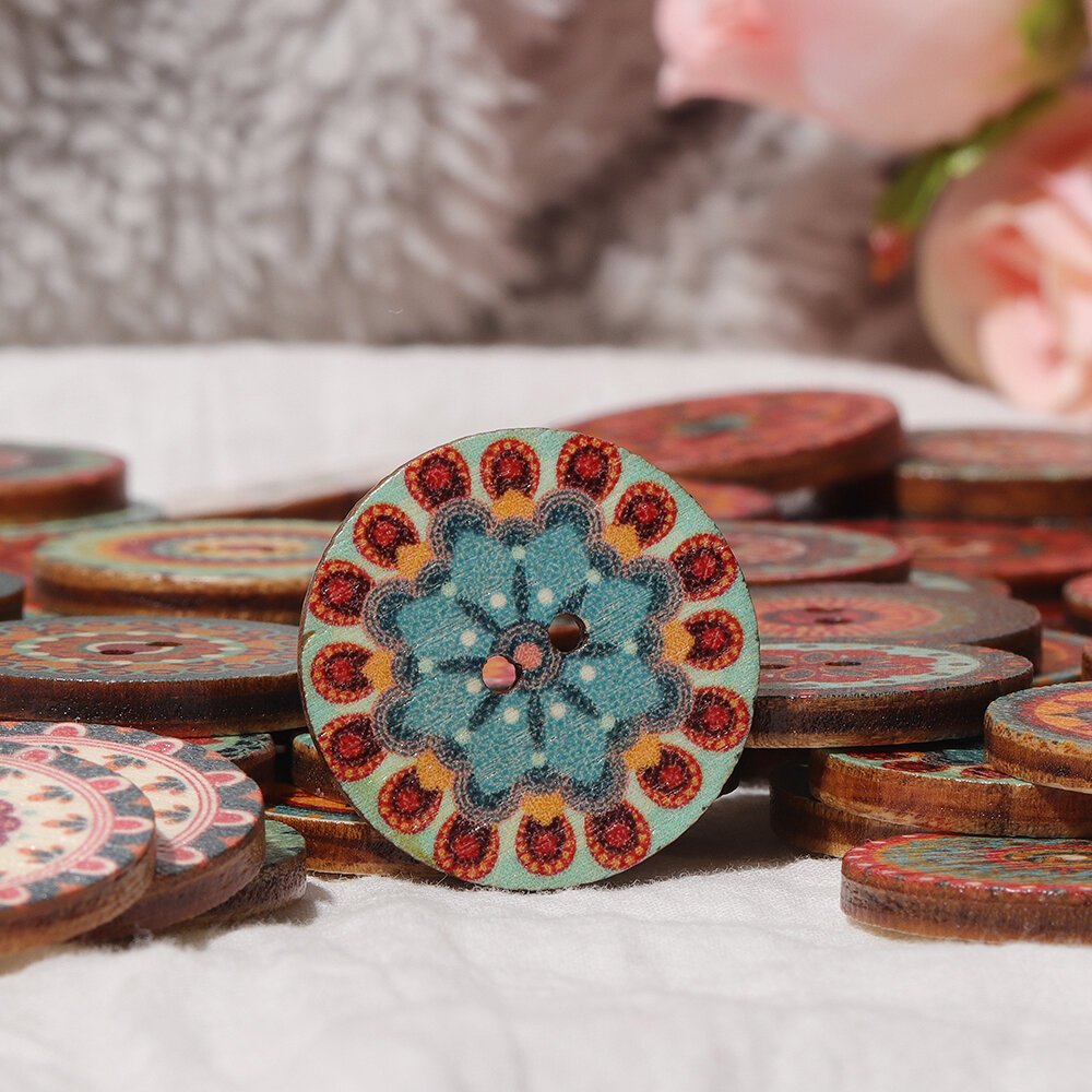 Wholesale 100 Mixed Size Wooden Flower Buttons Sewing Scrapbooking Decor