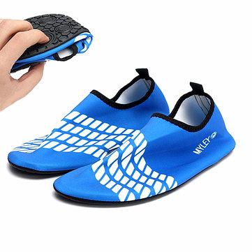 Hombres / mujeres de palanca azul calcetines de agua de la playa de surf natación aqua zapatos para el agua