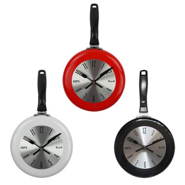 8'' Home Decor Kitchen Wall Clock Frying Pan Small Novelty Design Metal Clock Home Decorations
